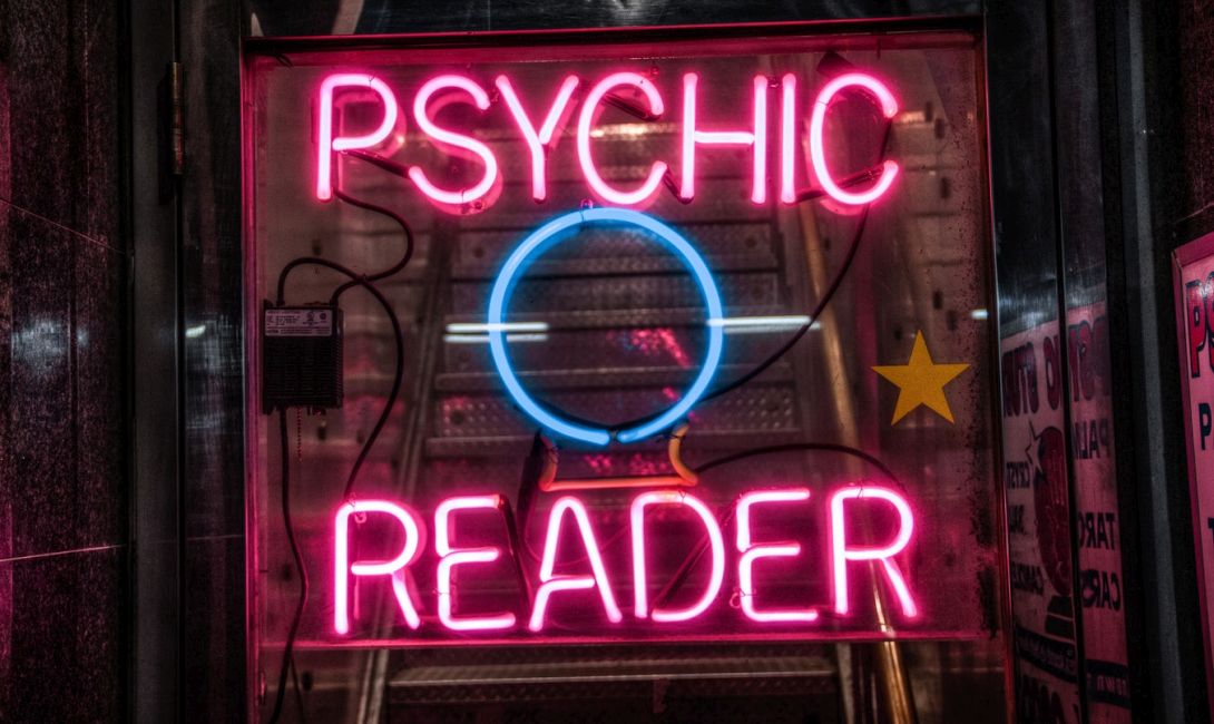 how to spot a fake psychic Eal psychic readings are possible just ask anyone who has ever worked with an authentic psychic advisor once you see how accurate their readings can be, you won't.
